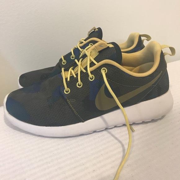 USED ONCE Nike Roshe One Jacquard Print